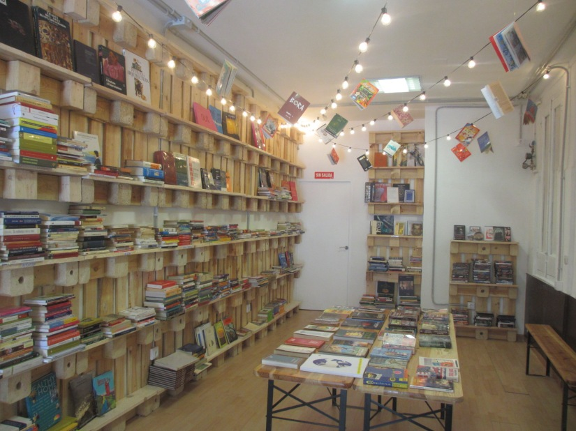 Madrid bookshops - Tuuulibreria