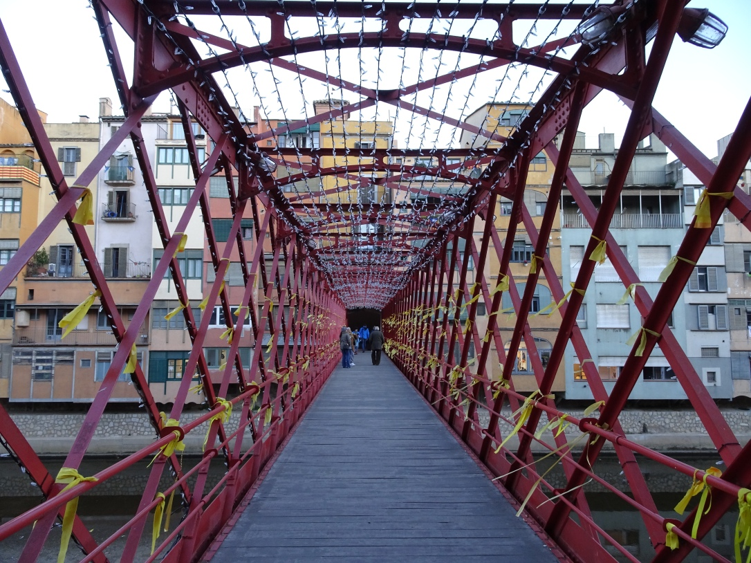 Exploring Girona - red bridge