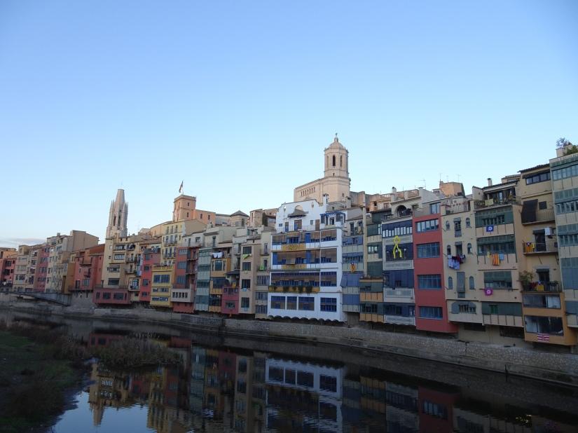 Exploring Girona - River Onyar